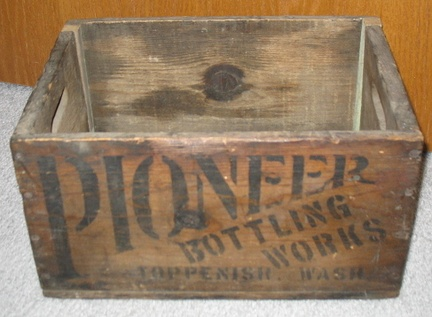 vintage Pioneer Bottling Works - Toppenish,WA wood crate